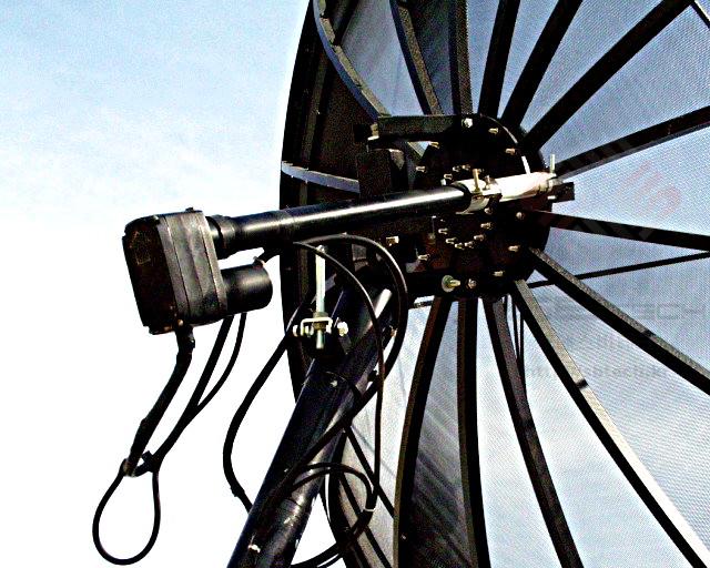 3m 메쉬 안테나 | 3m 그물망 포지셔너 위성안테나 | 엑츄에이터 장착 | 포지셔너 | Feedhorn with Skew Motor | 스큐모터 | 에스비테크 | SBTech | http://sbtech.kr