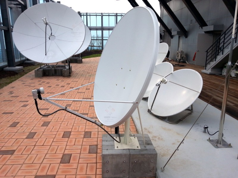 1.2m 오프셋 위성안테나  1.2m 옵셋 안테나  1.2m Off-Set Satellite Antenna  에스비테크  httpsbtech.kr