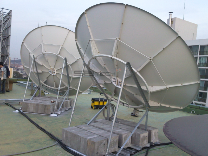 3.2m 위성안테나  3.2m 프라임 포커스 위성안테나  안테나베이스  에스비테크  httpsbtech.kr